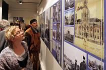 Výstava mapuje osudy tří synagog
