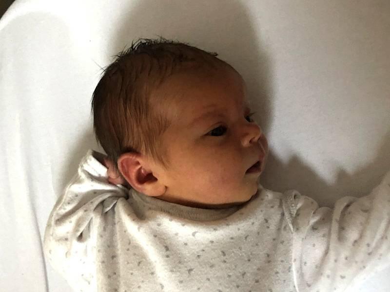 Emma Zahradová, Olomouc, narozena 3. října 2021 v Olomouci, váha 3170 g