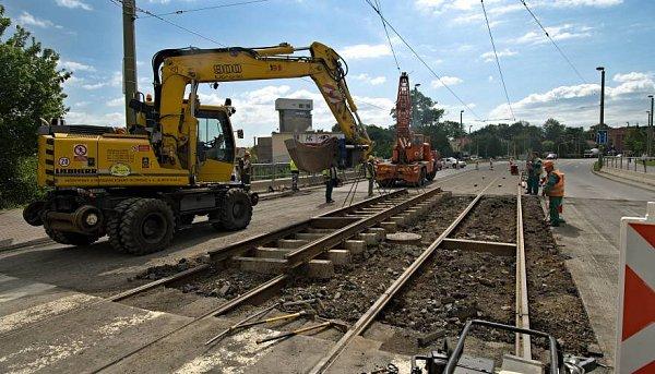 Uzavírka mostu utržnice kvůli opravě tramvajových kolejí