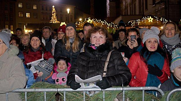 Česko zpívá koledy 2019 na Horním náměstí v Olomouci