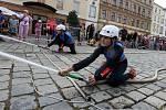 Hasiči na Horním náměstí v Olomouci připravili pro děti zábavné loučení s prázdninami