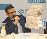Ředitel redakcí Deníku Martin Nevyjel. Debata Deníku s olomouckým primátorem Miroslavem Žbánkem