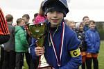 Kapitán vítězného týmu mladších žáků ze Šternberku.