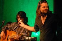 Richard Krajčo se skupinou Kryštof v akustické podobě.