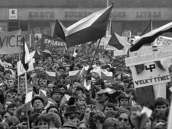Generální stávka na olomouckém Horním náměstí