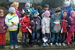 Děti v Hradčanech čekají na příjezd prezidenta