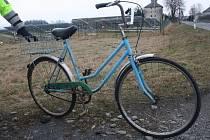 Zraněnou cyklistku našel v pátek u obce Žerotín řidič projíždějící na Strukov
