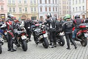 Motorkáři na olomouckém Horním náměstí