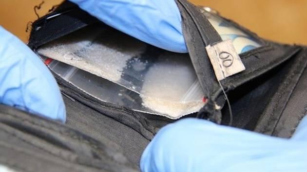 Těhotná na Bruntálsku prodávala drogy