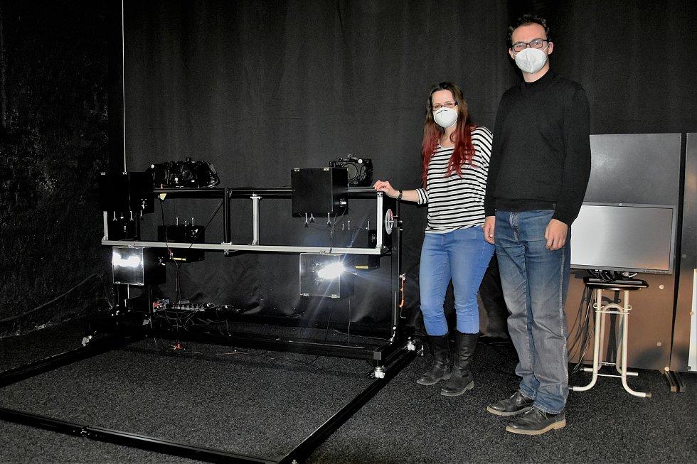 Výzkum Human Light Interaction Laboratory (HLI) spadající pod UP Olomouc. Další z karuselů imitující automobil, přístroj sestrojila společnost Hella Autotechnik Nova z Mohelnice