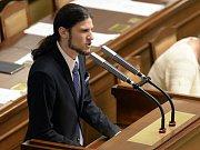 Vojtěch Pikal (Piráti) na ustavující schůzi Poslanecké sněmovny 24. listopadu