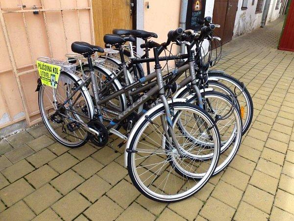 VLitovli si turisté mohou nově půjčit kolo a projet si město a jeho okolí.
