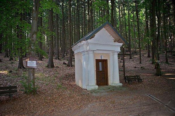 Střítežská lesní kaple Panny Marie