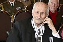 Ve Vojenské nemocnici Olomouc v úterý 27. 10 2015 zemřel válečný veterán a účastník III. odboje Leopold Färber. Bylo mu 86 let.