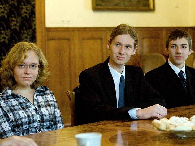 Úspěšný tým studentů Slovanského gymnázia u olomouckého primátora