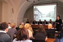 Veřejná debata o osvětlení Horního náměstí v Olomouci