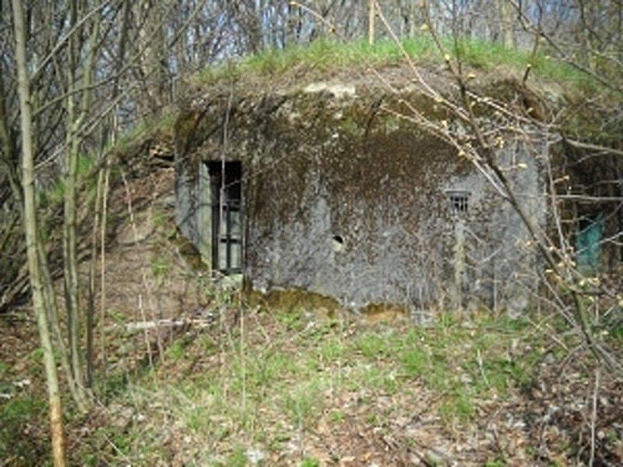 """Staré Město - bunkr (""""řopík"""") SLO VEČ 141aSU, minimální kupní cena 79 tisíc korun."""