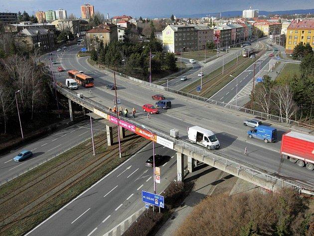 Oprava mostu u Hotelového domu