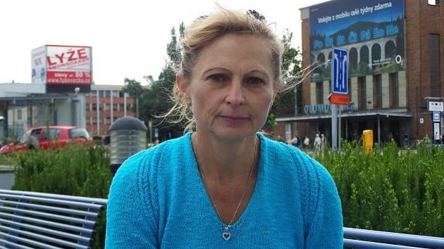 """""""Není dobré se uzavírat doma, tak se s roztroušenou sklerózou bojovat nedá,"""" říká Broňa Bičanová."""