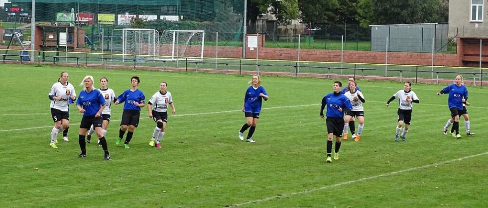 Fotbalistky Nových Sadů proti Podivínu