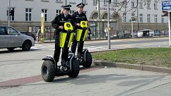 Olomoucká městská policie na transportérech Segway