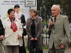 Procházka olomouckým hřbitovem v Neředíně s historikem Milanem Tichákem. Ilustrační foto.