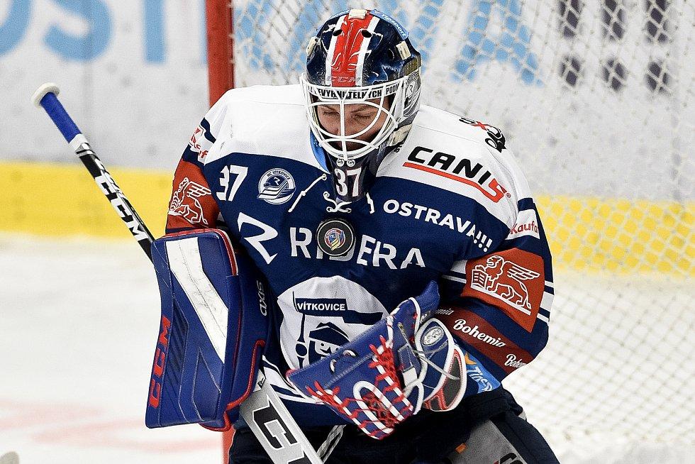 Dohrávka 12. kola hokejové extraligy: HC Vítkovice Ridera - HC Olomouc, 12. ledna 2021 v Ostravě. Brankář Daniel Dolejš z Vítkovic.