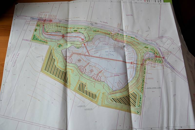 Stavba Biocentra Veklice na okraji Senice na Hané, 4. 11. 2020