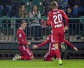 Zleva Jakub Plšek, Tomáš Zahradníček a Šimon Falta se radují z úvodního gólu Sigmy