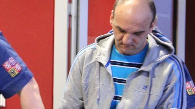 Pavel W. obžalovaný ze znásilnění a maření výkonu úředního rozhodnutí