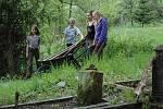 Už po sedmnácté se sešli skauti ve Staré Vodě u Libavé na Olomoucku, aby pomohli obnovit poutní místo