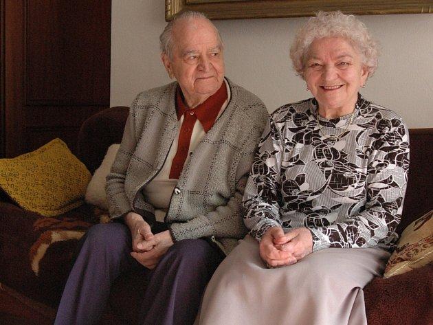 Manželé Sehrigovi slaví šedesát let společného života.