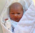 Julie Petrů, Prostějov, narozena 17. března míra 48 cm, váha 2890 g