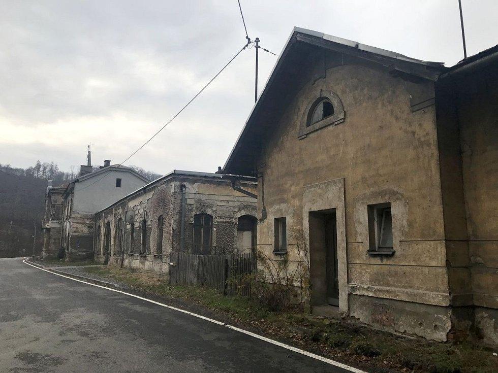 Železniční stanice v Hrubé Vodě v listopadu 2020