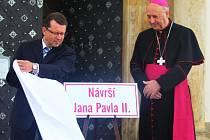 Slavnostní pojmenování Návrší Jana Pavla II. u baziliky na Svatém Kopečku