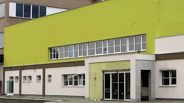 Dětské centrum Krokodýlek vzniká v bývalé tovární hale podniku Kovo-dřevo v olomoucké čtvrti Lazce