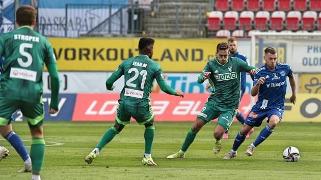 Fotbalová Sigma Olomouc porazila doma MFK Karviná 2:0. Radim Breite