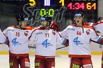Olomoučtí hokejisté slaví vítězství na pražskou Spartou