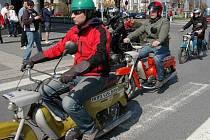 Motorkáři míří na olomoucké Horní náměstí zahájit sezonu