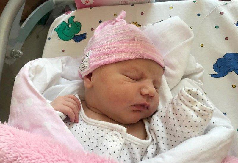 Edita Urbánková, Olomouc, narozena 4. června, váha 3720 g