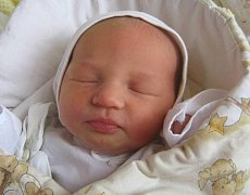 Julie Vitásková, Olomouc, narozena 13. dubna v Olomouci, míra 48 cm, váha 2980 g