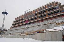 Rozestavěná jižní tribuna Androva stadionu