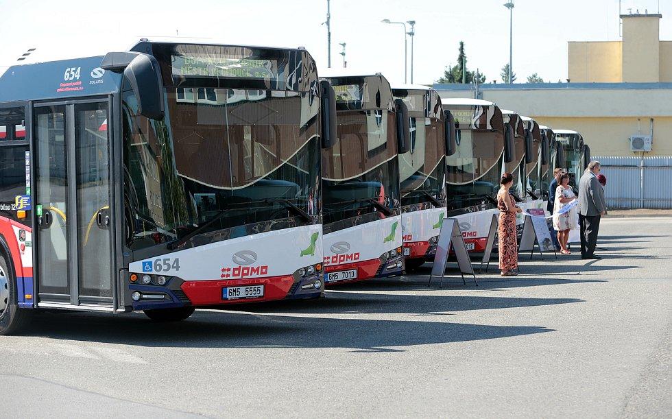 Autobusy Solaris Urbino 12 v barvách DPMO