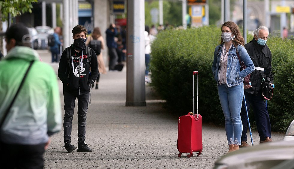 """První """"bezrouškový"""" den v Olomouci, 25. května 2020"""