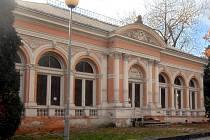 Restaurace Fontána ve Smetanových sadech.