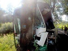 Nehoda autobusu u Hraničných Petrovic