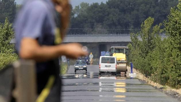 Oprava silnice u Kožušan