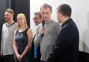 Promítání pilotního dílu seriálu Případy pro Jáchyma Semiše v Premiere Cinemas v Olomouci za účasti tvůrců. S mikrofonem režisér Jan Haluza