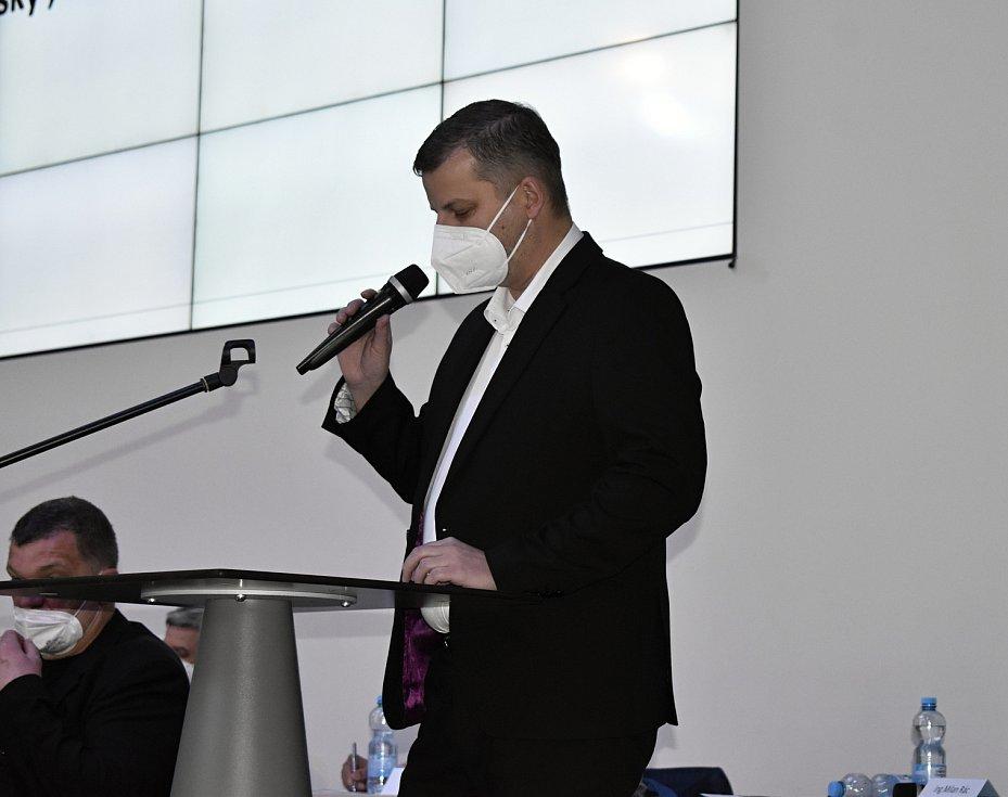 Volební valná hromada Olomouckého krajského fotbalového svazu v BEA centru. Nově zvolený předseda Ol KFS Daniel Vitonský. 31.3. 2021