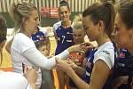 Výtěžek z extraligového utkání olomouckých volejbalistek byl věnován Základní škole a Střední škole CREDO